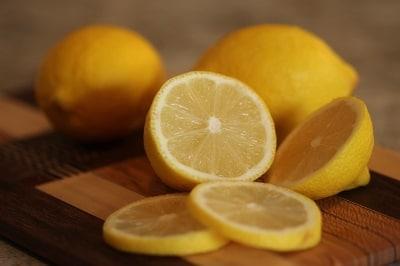 Traiter l'Hyperhidrose avec Jus de Citron