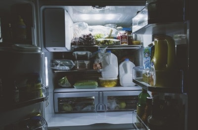 Intérieur de réfrigérateur